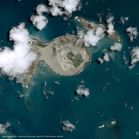 Hunga Tonga-Hunga Ha'apai Explodes